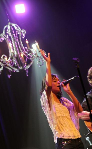 Three Quarter Length「Collin Raye Concert To Benefit The Buddy Care Foundation」:写真・画像(19)[壁紙.com]