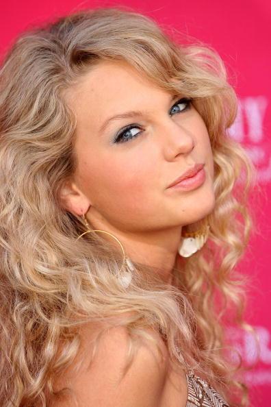 髪「41st Annual Academy Of Country Music Awards - Arrivals」:写真・画像(15)[壁紙.com]