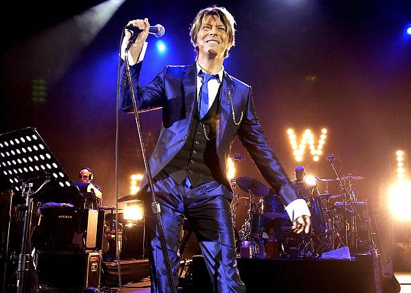 デヴィッド・ボウイ「Pop Legend David Bowie In Concert」:写真・画像(3)[壁紙.com]
