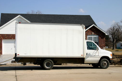 Truck「Large plain white removal van parked outside of a house 」:スマホ壁紙(19)