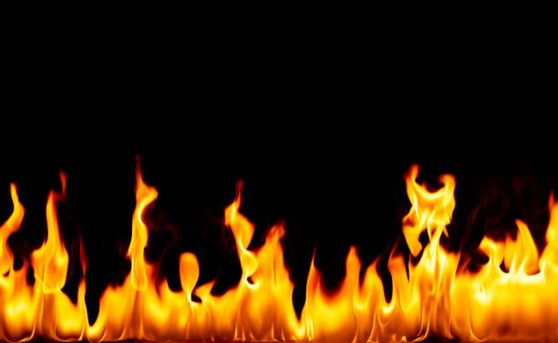 Flames against black background:スマホ壁紙(壁紙.com)