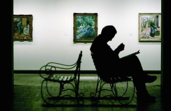 Sitting「Camille Pissarro Exhibition Opening」:写真・画像(2)[壁紙.com]