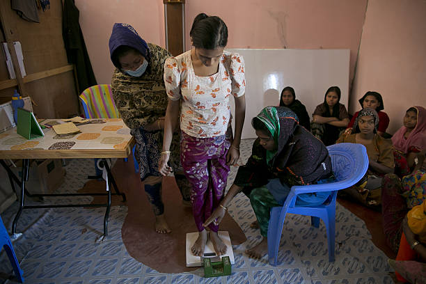 Rohingya Flee Into Bangladesh As Crisis Deepens:ニュース(壁紙.com)