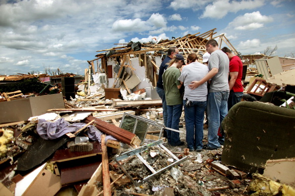 Missouri「Over One Hundred Dead As Major Tornado Devastates Joplin, Missouri」:写真・画像(19)[壁紙.com]