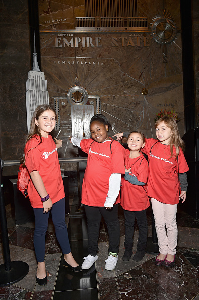 Empire State Building「Save the Children Lights Up Empire State Building for International Day of the Girl」:写真・画像(12)[壁紙.com]