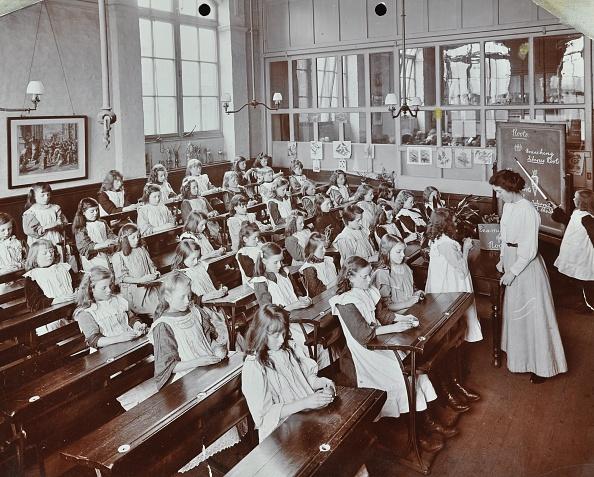 Instructor「Classroom Scene, Albion Street Girls School, Rotherhithe, London, 1908. Artist: Unknown.」:写真・画像(11)[壁紙.com]