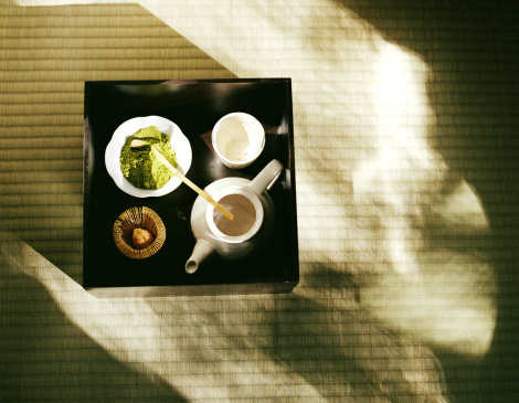 Teapot「Powdered green tea, tea pot and cup set up on tray for tea ceremony」:スマホ壁紙(18)