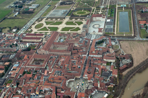 Piedmont - Italy「Venaria Reale and its wonderful garden, aerial view, Piedmont, Italy」:スマホ壁紙(10)