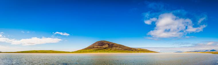 スコットランド文化「ブルーラグーン島のビーチ、海のパノラマの夏の空ヘブリディーズスコットランド)」:スマホ壁紙(11)