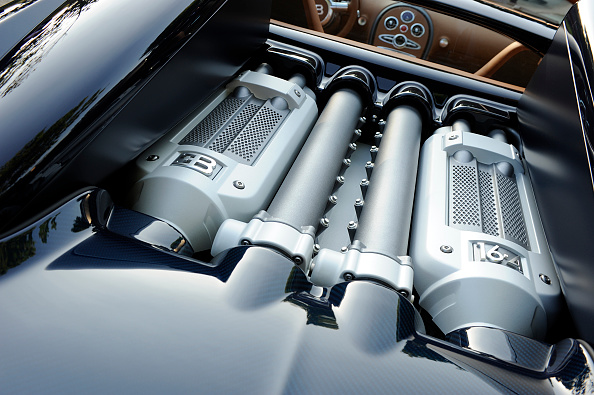 Luxury「2009 Bugatti Veyron Sang Bleu」:写真・画像(9)[壁紙.com]