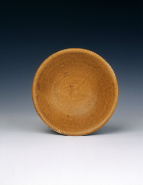 Shallow「Shallow lead glazed dish, Late Tang dynasty, China, 9th century.」:写真・画像(4)[壁紙.com]