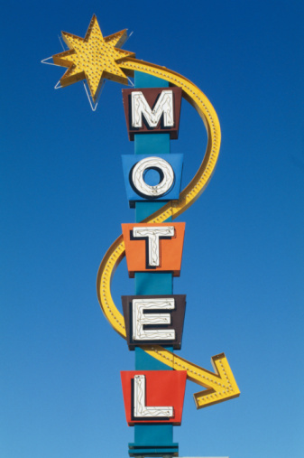Motel「'Motel' sign, low angle view」:スマホ壁紙(7)