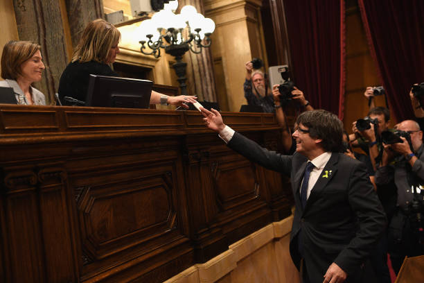 Catalonia「Pivotal Day For Catalan Independence As Crisis Comes To A Head」:写真・画像(2)[壁紙.com]