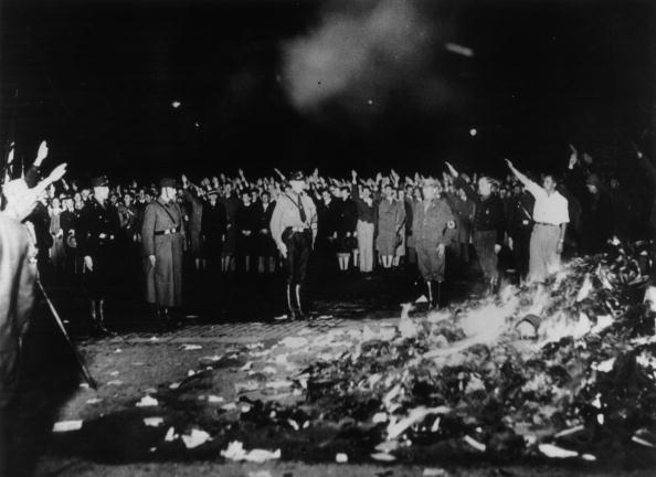 Nazism「Book Burning」:写真・画像(4)[壁紙.com]