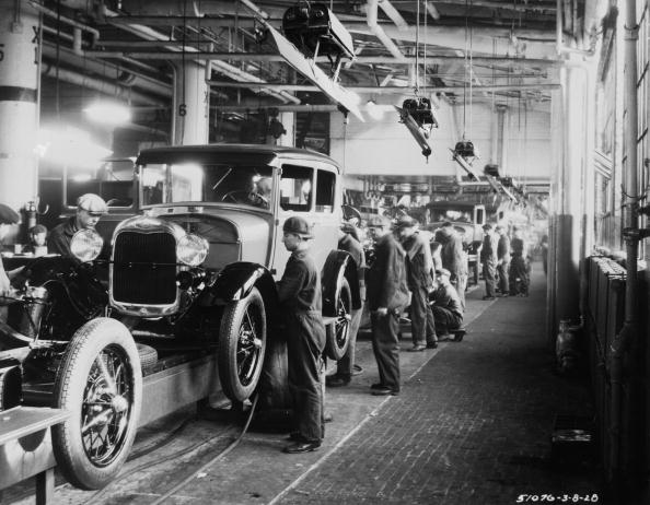 Hulton Archive「Ford Factory」:写真・画像(5)[壁紙.com]