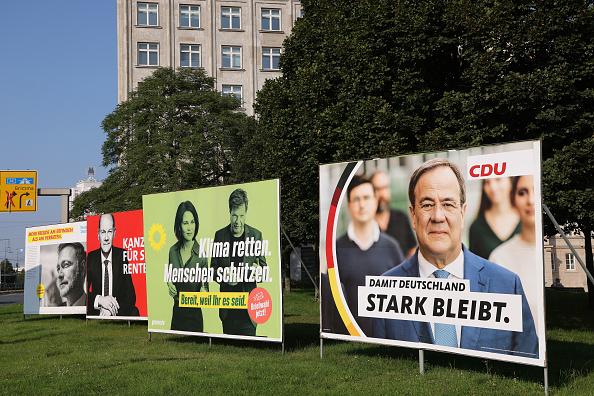 選挙「Political Parties Campaign In Federal Elections」:写真・画像(14)[壁紙.com]