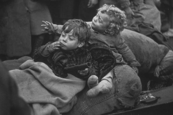 Spanish Culture「Refugee Children」:写真・画像(6)[壁紙.com]