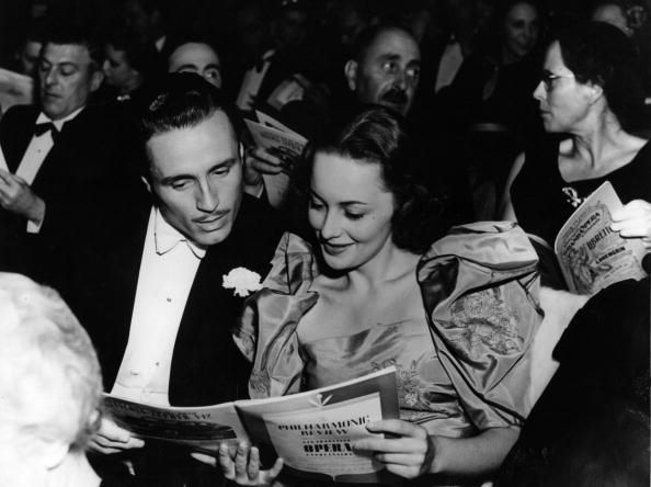 Enjoyment「Olivia De Havilland」:写真・画像(18)[壁紙.com]