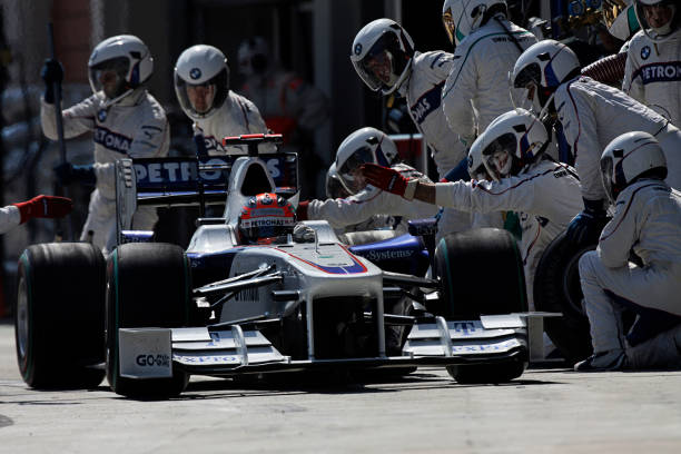 Pit Stop「Robert Kubica, Grand Prix Of Turkey」:写真・画像(10)[壁紙.com]