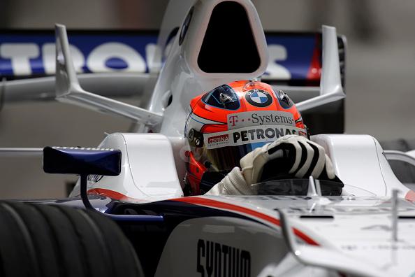 Paul-Henri Cahier「Robert Kubica, Grand Prix Of Bahrain」:写真・画像(3)[壁紙.com]