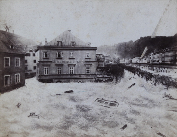 Image Montage「Carlsbad / Bohemia: Flood Disaster In 1890. Photomontage By W. Jerie / Carlsbad. Photograph.」:写真・画像(14)[壁紙.com]