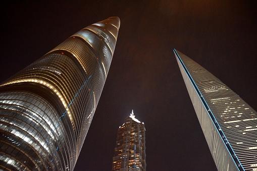 Postmodern「Megatall skyscrapers by night in Lujiazui, Shanghai, China」:スマホ壁紙(11)
