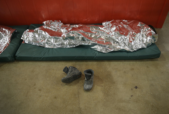 Blanket「U.S. Border Patrol Houses Unaccompanied Minors In Detention Center」:写真・画像(2)[壁紙.com]