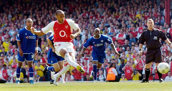 Leicester「Arsenal v Leicester Premiership Footall 2004」:写真・画像(17)[壁紙.com]