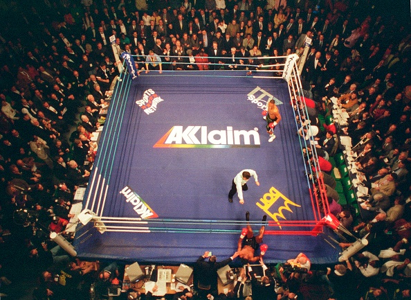 WBC「Over head of Boxing Ring Knockout.」:写真・画像(3)[壁紙.com]