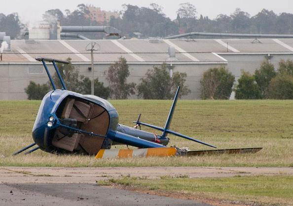 Coathanger「Clean Up Begins After Severe Storm Hits Brisbane」:写真・画像(4)[壁紙.com]