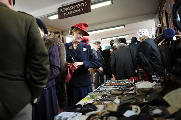 Recreational Pursuit「Enthusiasts Take Part In East Lancashire Railway's 1940s Re-enactment Weekend」:写真・画像(13)[壁紙.com]