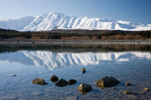 Mt Cook「Lakeside view to Mount Dobson, 1916m peak of Two Thumbs Range, Lake Tekapo, South Island, New Zealand」:スマホ壁紙(16)