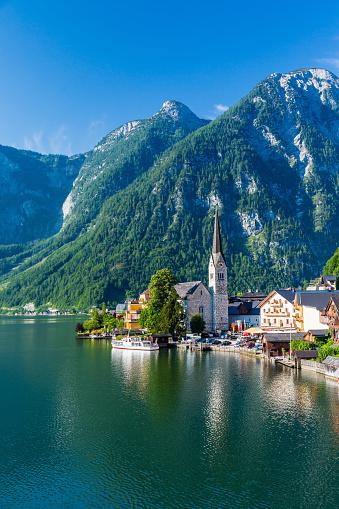 Dachstein Mountains「Lakeside Village of Hallstatt in Austria」:スマホ壁紙(9)