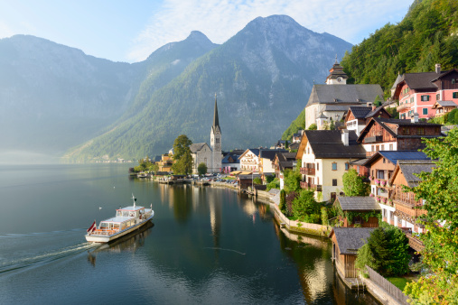 Hallstatter See「Lakeside Village of Hallstatt in Austria」:スマホ壁紙(3)