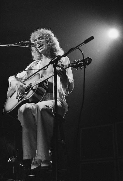 Acoustic Guitar「Peter Frampton」:写真・画像(16)[壁紙.com]