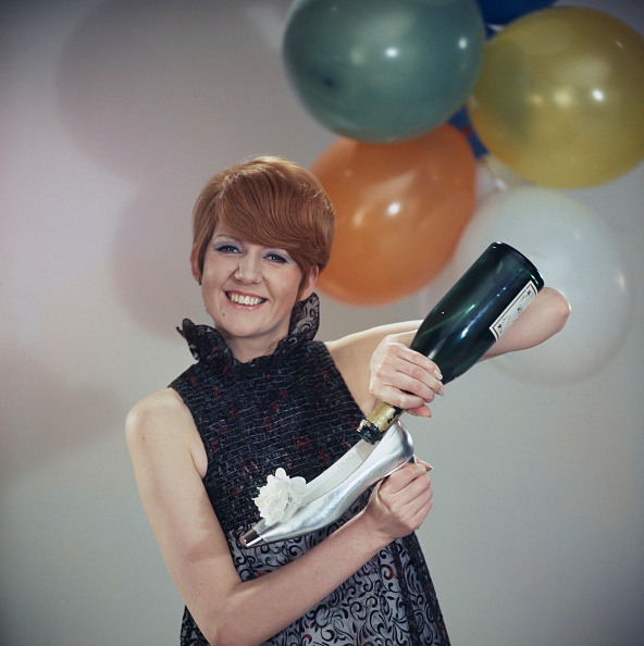 Champagne「Cilla Black With Balloons」:写真・画像(17)[壁紙.com]