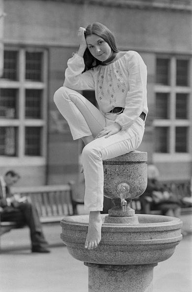 Barefoot「Julie Covington」:写真・画像(7)[壁紙.com]