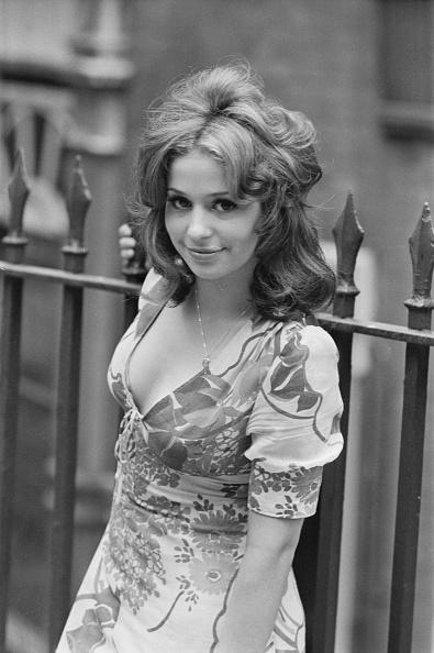 女性歌手「Tina Charles」:写真・画像(3)[壁紙.com]