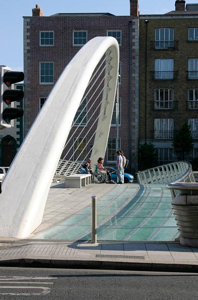 アイルランド リフィー川「James Joyce Bridge and River Liffey, Dublin, Ireland」:写真・画像(16)[壁紙.com]