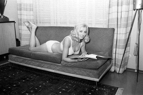 Sofa「Elga Machaty」:写真・画像(8)[壁紙.com]
