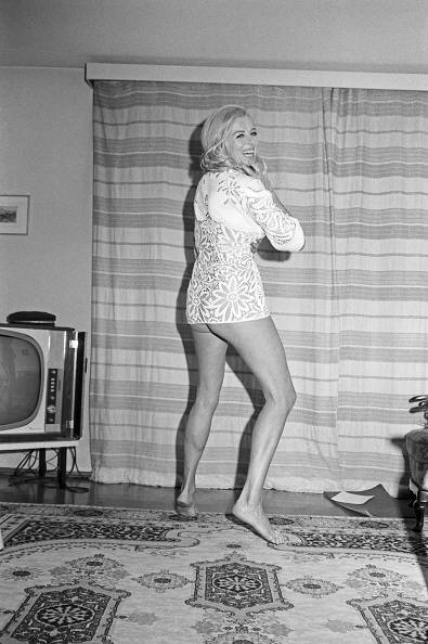 Sofa「Elga Machaty」:写真・画像(3)[壁紙.com]