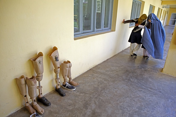 Kabul「Landmine Victims Receive Treatment At The ICRC Rehabilitation Centre」:写真・画像(8)[壁紙.com]