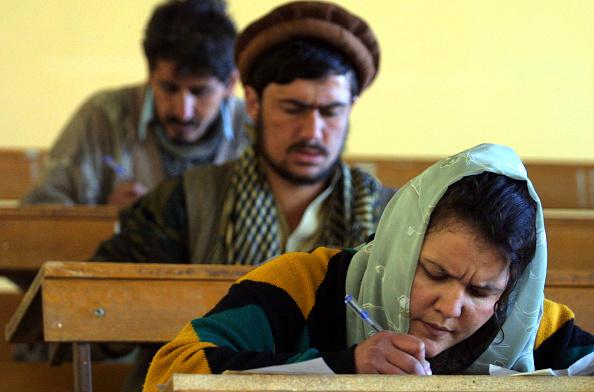Natalie Behring「Education in Afghanistan」:写真・画像(1)[壁紙.com]