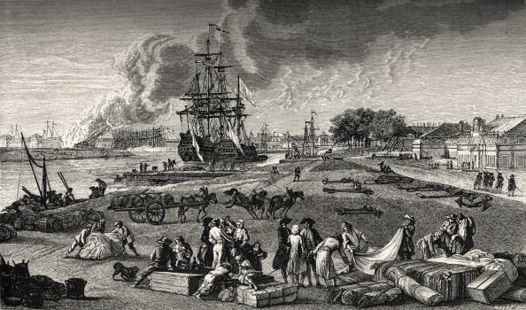 18th Century Style「French port of Rochefort: ships / navy in background, bales of cloth and other merchandises on the quay.  Trade, commerce, in 18th century France.」:写真・画像(12)[壁紙.com]