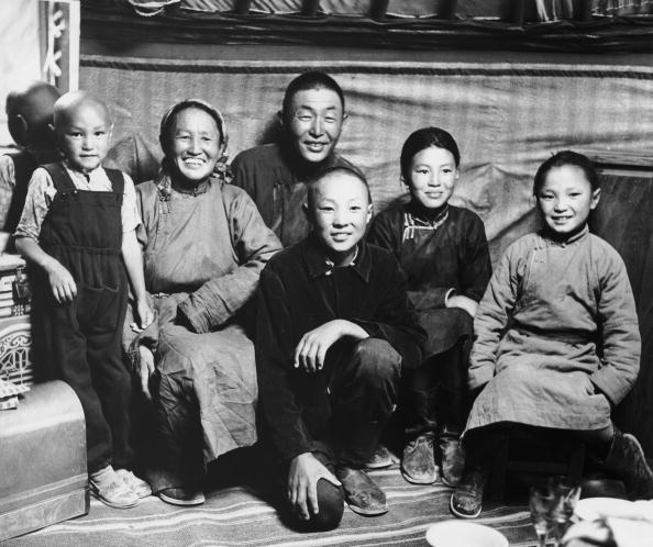 Elementary Age「Mongolian Family」:写真・画像(14)[壁紙.com]