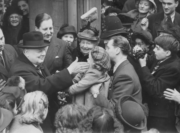 Churchill And Child:ニュース(壁紙.com)