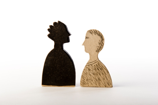 Face To Face「Male figures face to face, one black, one white」:スマホ壁紙(15)