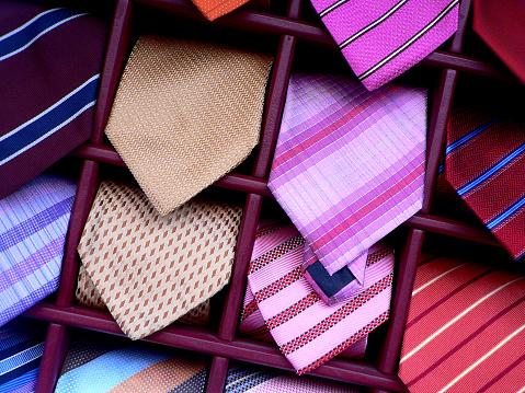 Well-dressed「ties」:スマホ壁紙(5)