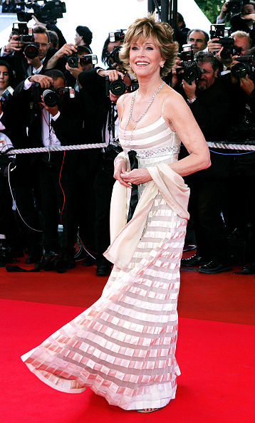60th International Cannes Film Festival「Cannes - Closing Ceremony And L'Age Des Tenebres Red Carpet」:写真・画像(2)[壁紙.com]