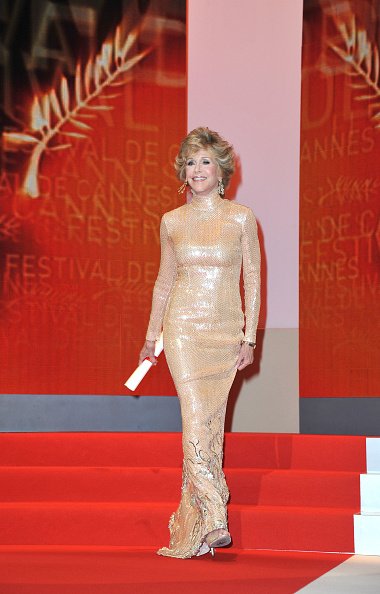 Sleeved Dress「Closing Ceremony - 64th Annual Cannes Film Festival」:写真・画像(6)[壁紙.com]
